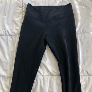 Black low rise Capri leggings Nike